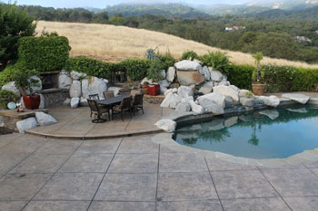almaden-pool-deck-350